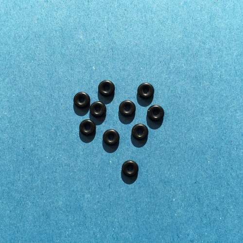 Pack of black nitrile O-rings for 1.5mm glass
